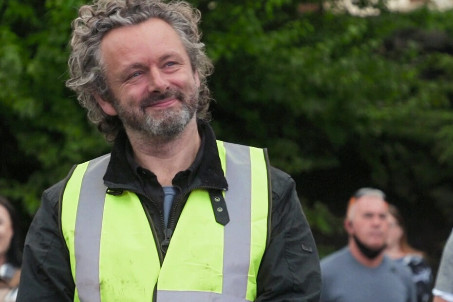 Michael Sheen presents award to founder of The Boot Room
